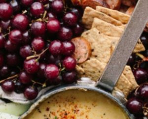 red grapes hummus pita bread